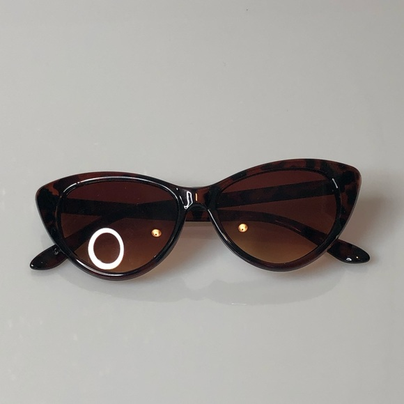a2c9bb0da Accessories | Last Pair Tortoise Cat Eye Sunglasses | Poshmark